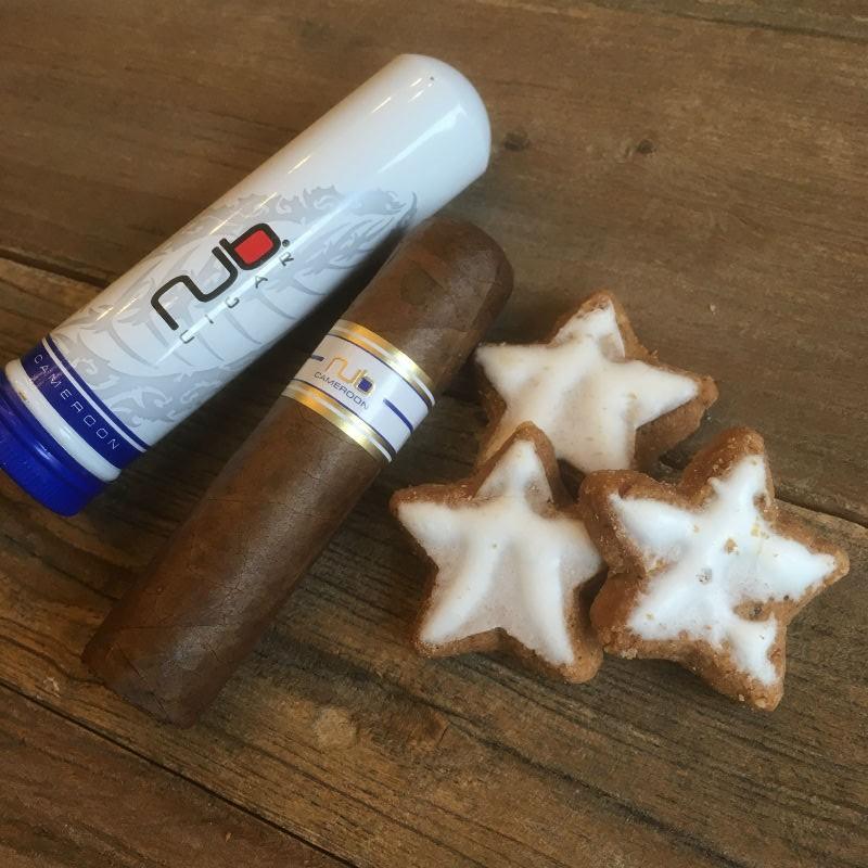 2 Nub Cameroon Tubos mit Zimtsternen
