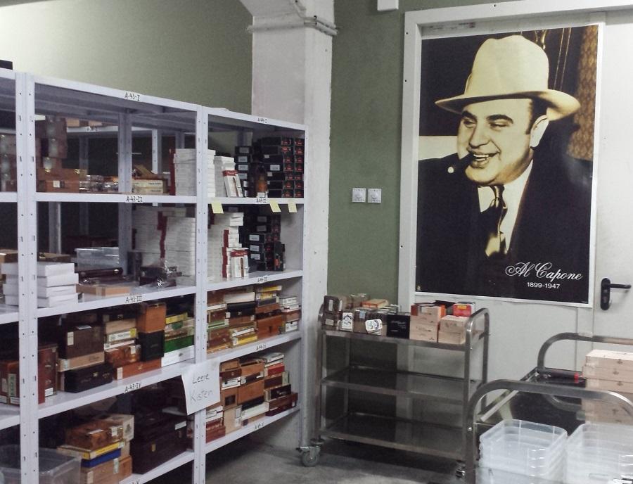 Treuer Humidorbewacher - Al Capone
