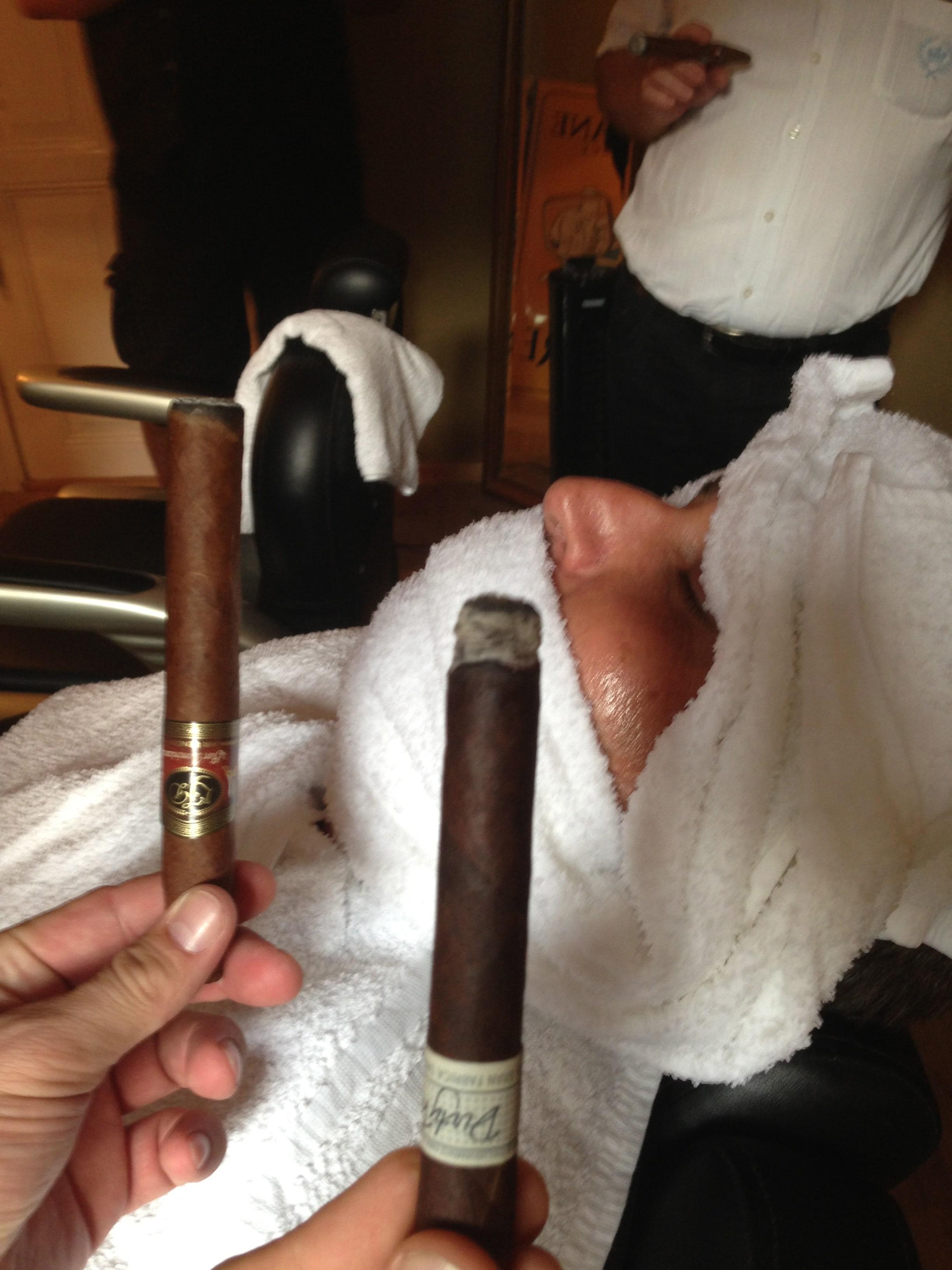 Zwei Zigarren für den Shave