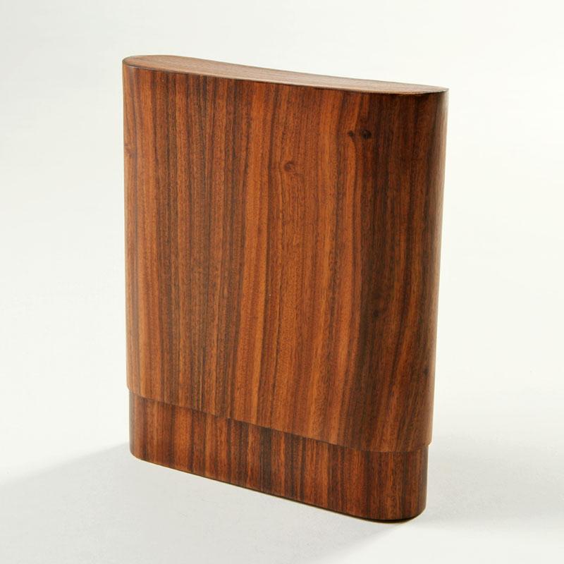 spanische zeder holz mit besonderen aromen. Black Bedroom Furniture Sets. Home Design Ideas