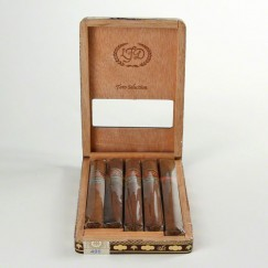 La Flor Dominicana Toro Selection
